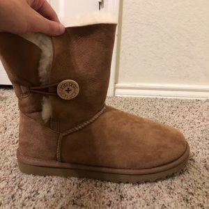 UGG Shoes - tan UGG boots